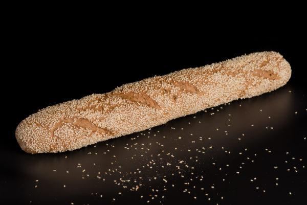 Brotfranzos mit Sesam